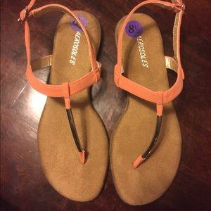 Women's 8.5 Aerosoles peach and silver sandal